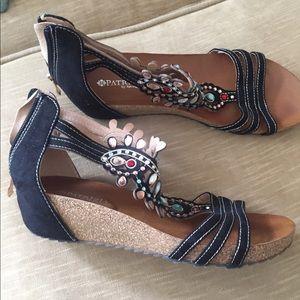 Jeweled summer sandals 💎